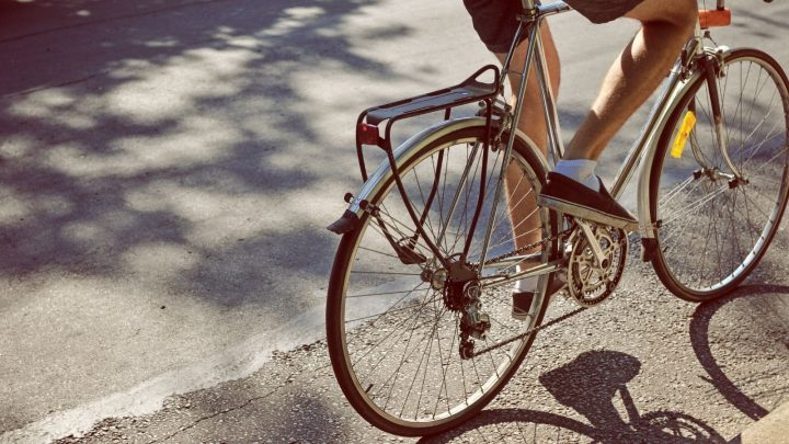 How Can Bike Racks Benefit Your Business?